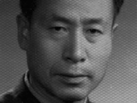 彭让  革命领导小组组长 党支部书记