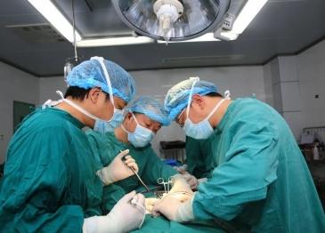 【新技术】广汉市人民医院成功开展广汉首例脊柱肿瘤切除手术