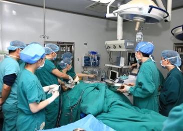 【新技术】广汉市人民医院成功开展广汉首例麦默通手术(真空辅助乳腺微创旋切术)