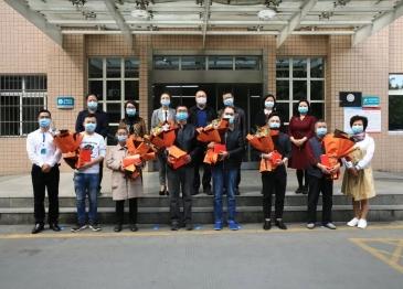 德阳市委常委、副市长王斐赴广汉慰问援湖北医疗队队员家属