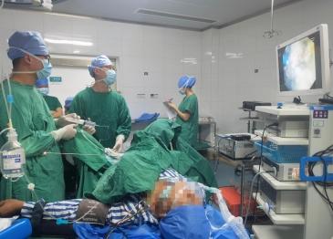 戒赌上岸成功经验人民医院成功完成首例经尿道输尿管软镜双肾结石碎石取石术